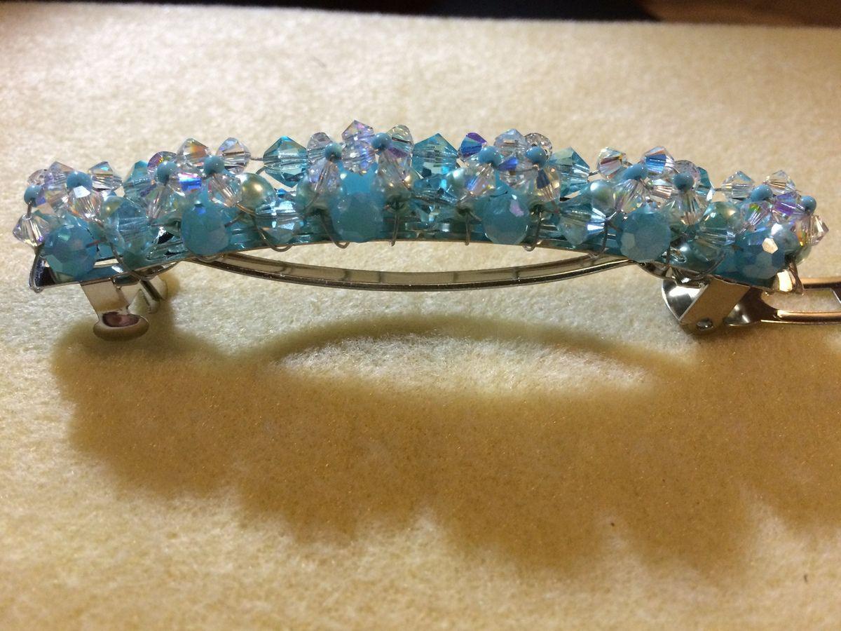 Crystal bleu barrette