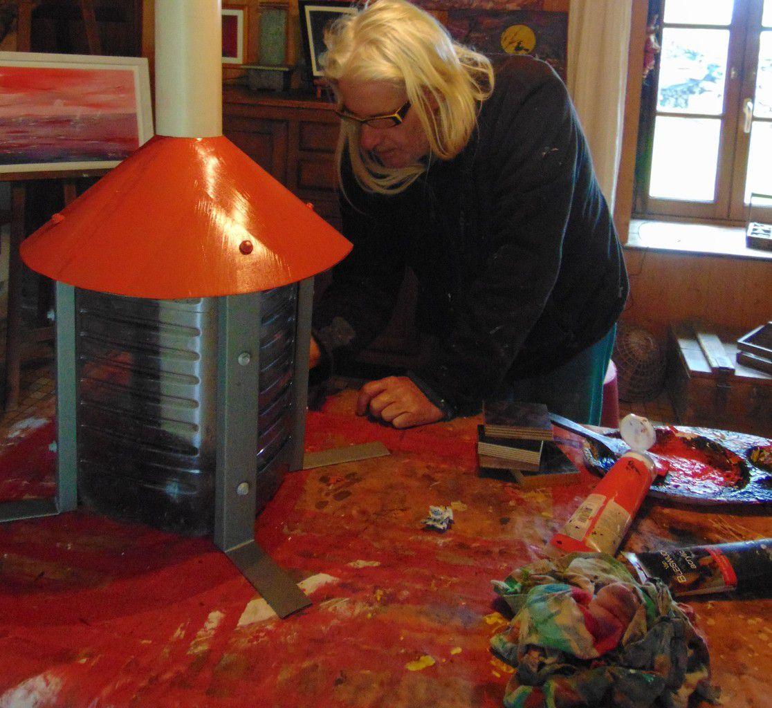 un phare pour une ancienne cuve: matériel de récupération