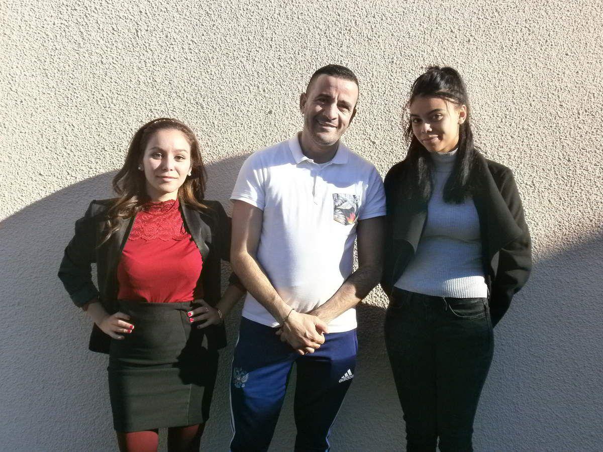 De gauche à droite : Salama, Karim et Laura