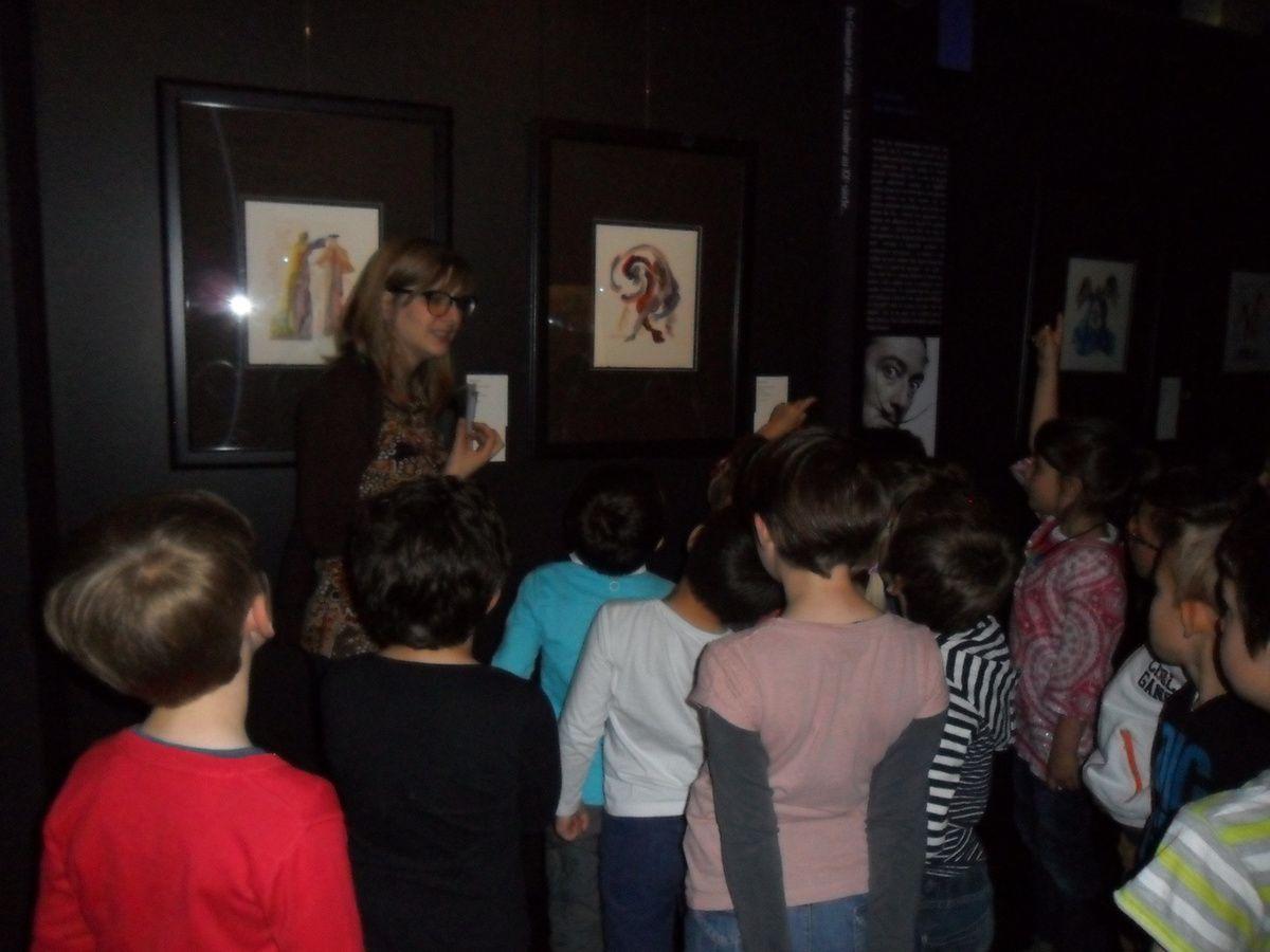 Visite de l'exposition de peintures au château de Waroux (P1 P2)