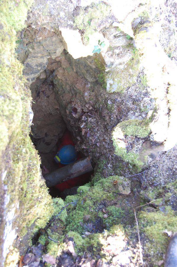Sous le sommet, quelques endroits à investiguer