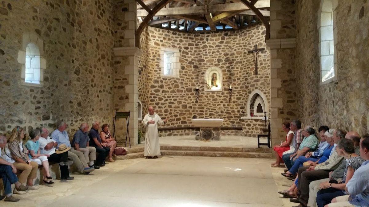 Et après le déjeuner à Baigts de Chalosse, à l'église romane Saint-Laurent de Caupenne et au monastère de Maylis présenté par le frère Marie-Bernard de Montesquieu