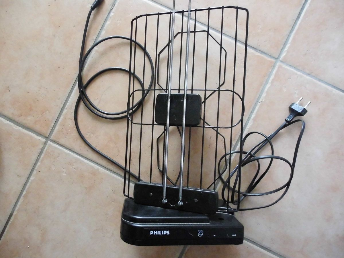 antenne  TV PHILIPS avec amplificateur