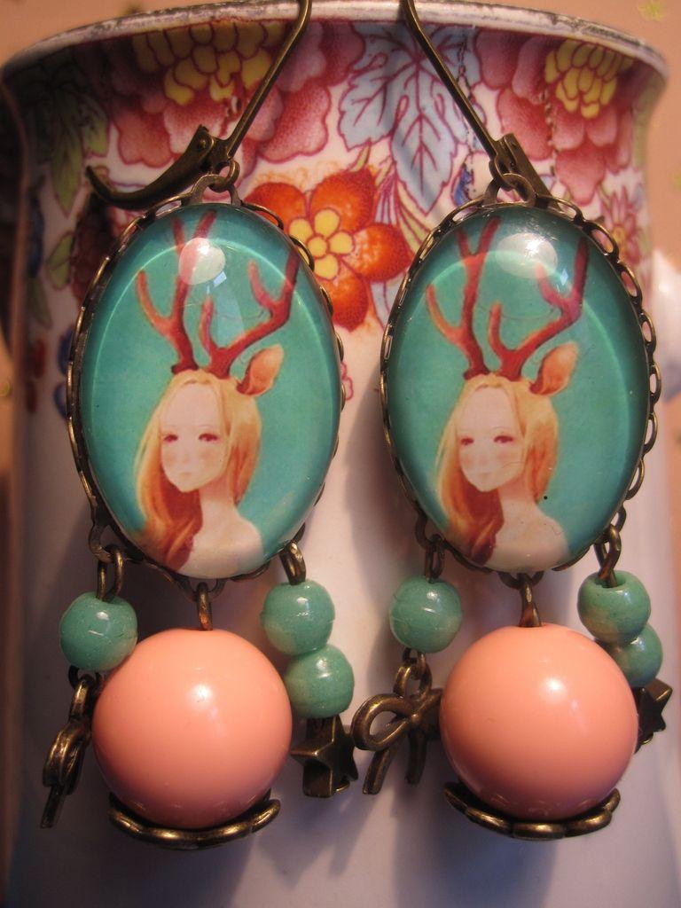 Boucles d'oreilles, bracelets et mitaines.....
