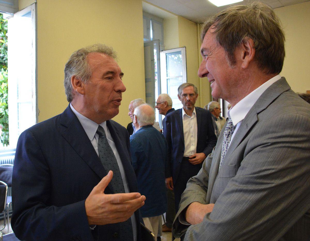 Philippe Castay, directeur honoraire SNCF, ancien directeur national de la flotte TGV, est membre du bureau de LGV-Orthez-Oui. Ses conseils et ses avis sont précieux.