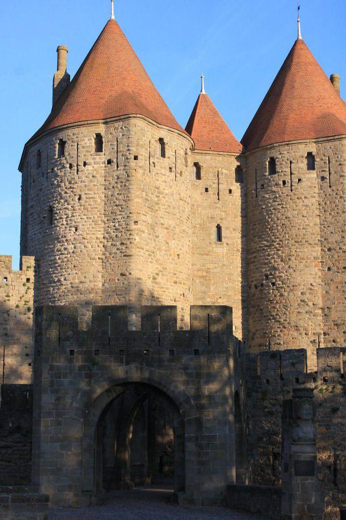 Petit tour à la cité de Carcassonne sous le soleil de printemps