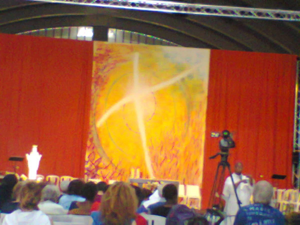 Monseigneur Léonard de Maline Bruxelles et Monseigneur David Macaire Archevêque de Martinique et les membres de la session venu de diverse  horizons