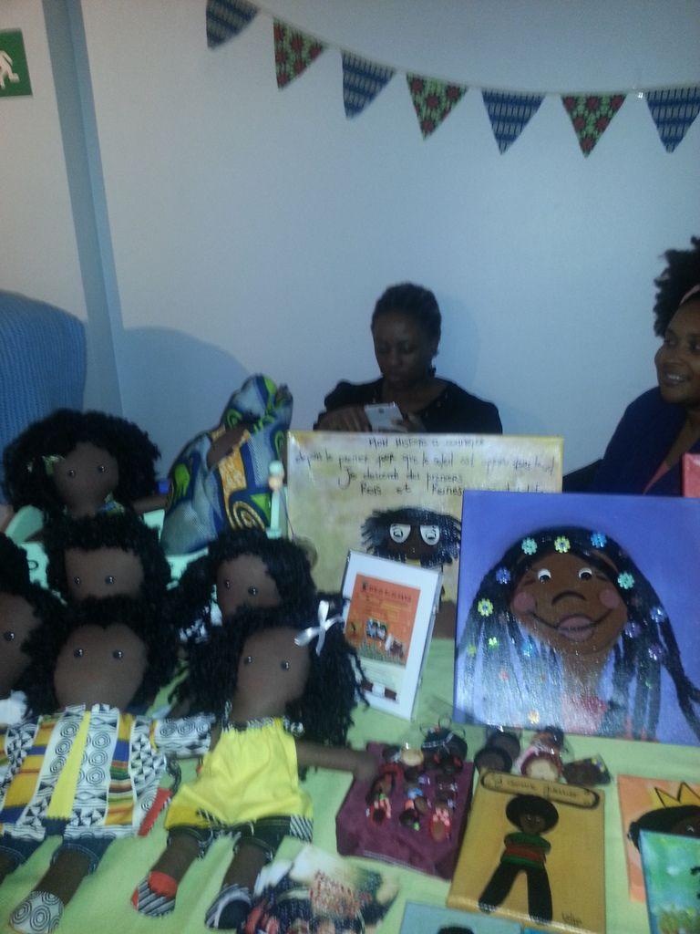 Expos, Film et Art&#x3B; des réalisations de poupées africaines,bijoux, Cuisine, la future Mannequine Peul.