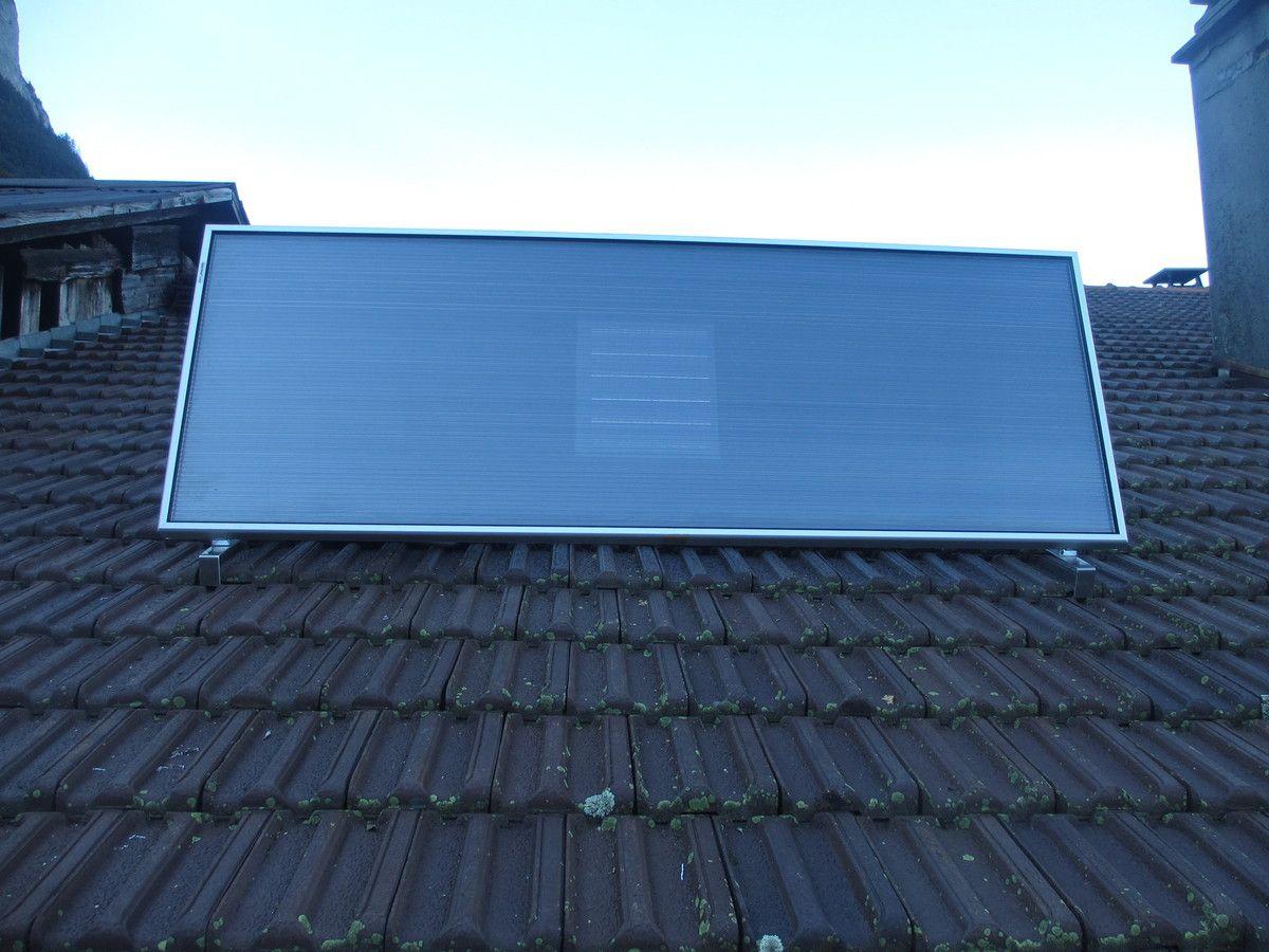 installation d 39 un capteur solaire air en toiture isolation ecologique materiaux pour l 39 habitat. Black Bedroom Furniture Sets. Home Design Ideas