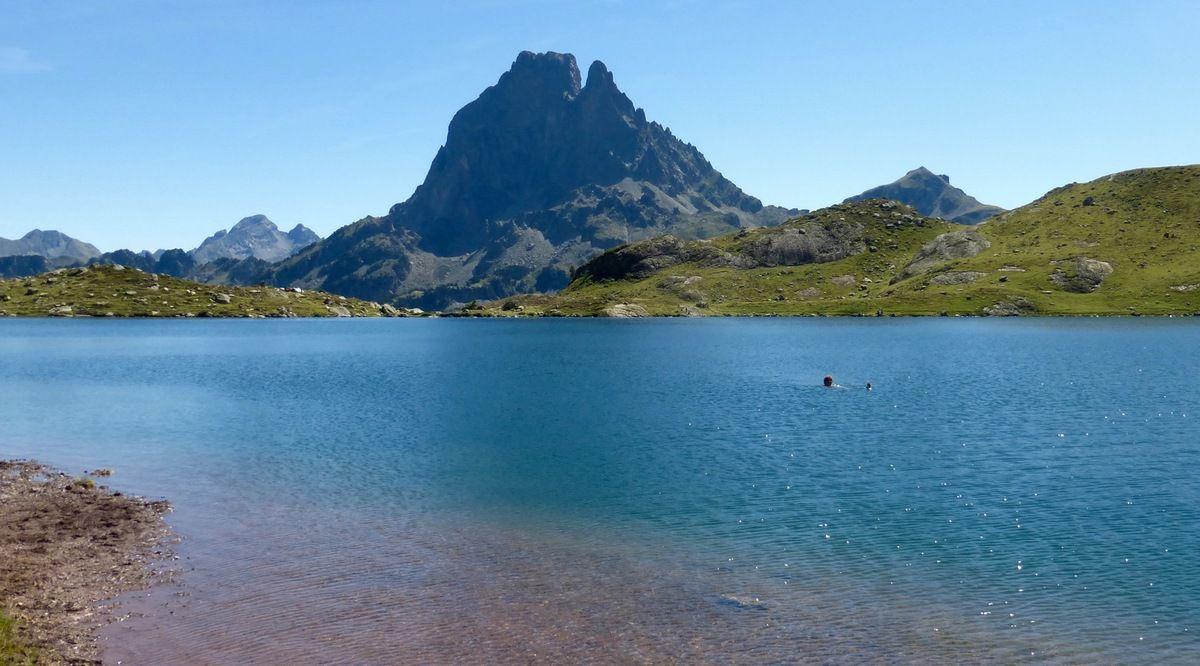 Sirène aux Pyrénées , baignade en eaux froides mais limpides  -   2