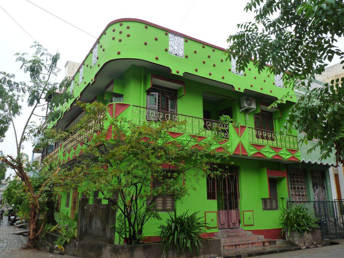 """Puducherry : """"quartier français"""", le canal de sépartion, marché côté tamoul"""