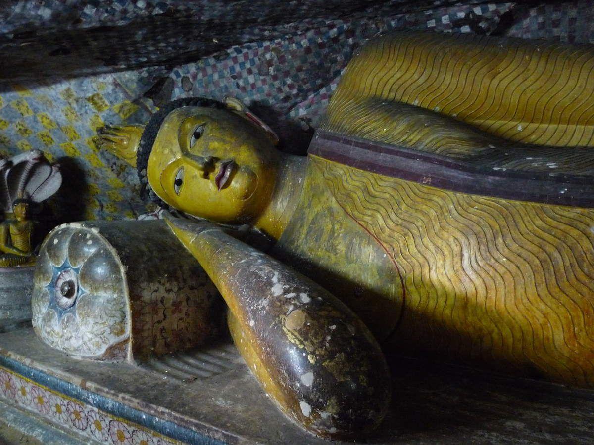 Dambulla : Le temple d'or (Rock temple ou Golden temple)