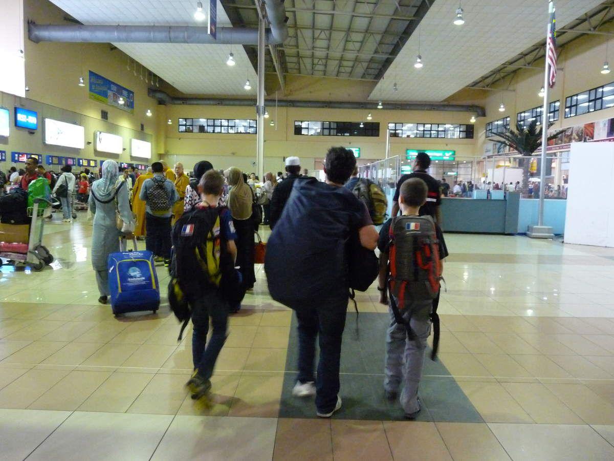 Arrivée à Kuala Lumpur / Arrivée à Koh Lipe / L'île et ses alentours