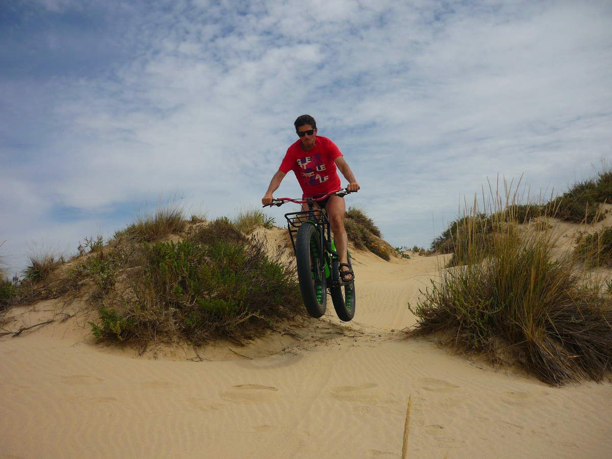 PROBANDO EN LA PLAYA LA&quot&#x3B;FAT BIKE&quot&#x3B; LA BH bigfoot.
