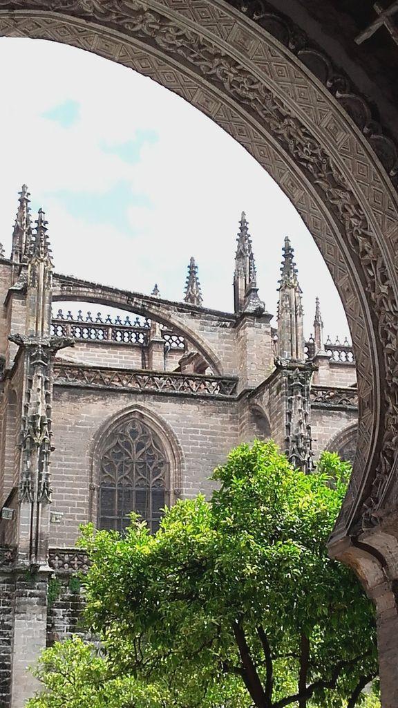 Deux aperçus de la cathédrale...