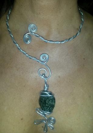 Collier et pendentif aluminium + pierre