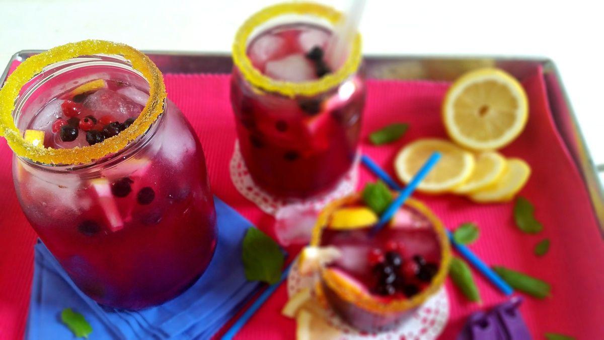 Iced tea aux myrtilles et au citron