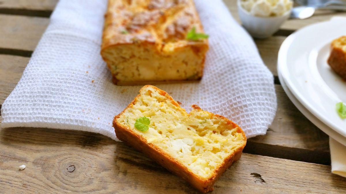 Cake courgette, feta et menthe