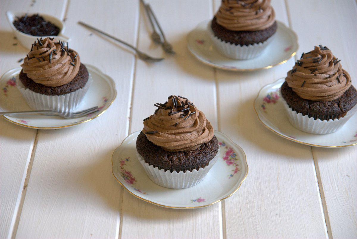 Cupcakes au chocolat, frosting à base de Philadelphia