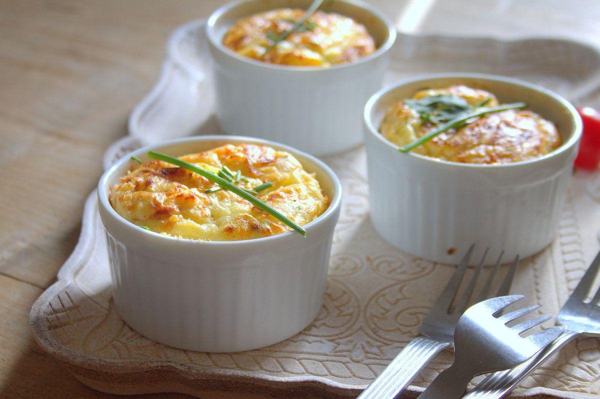 Soufflés pomme de terre, fromage et ciboulette