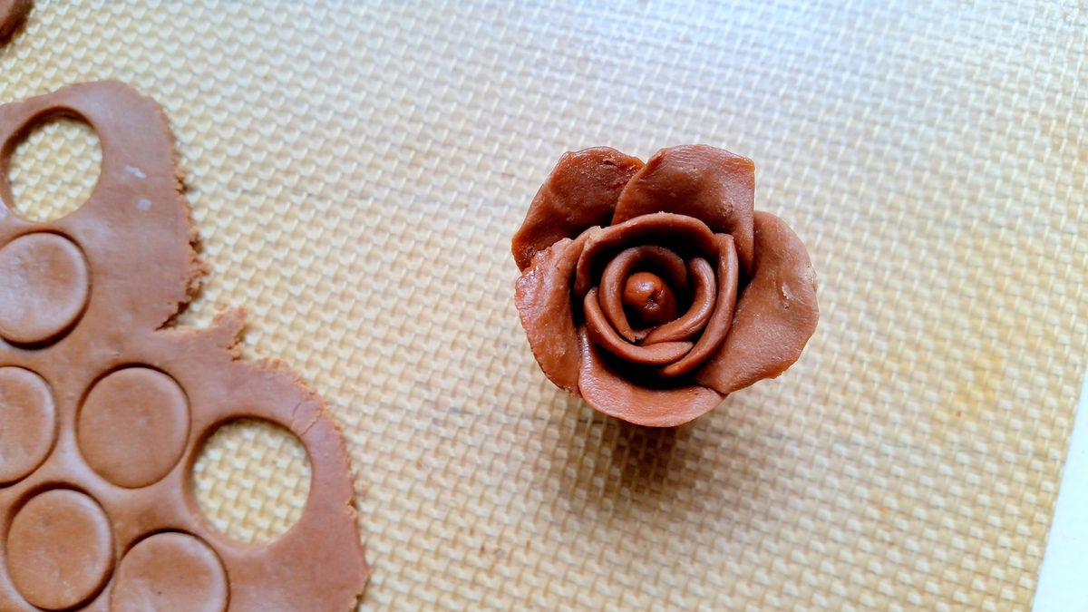 Pâte de chocolat à modeler ou chocolat plastique
