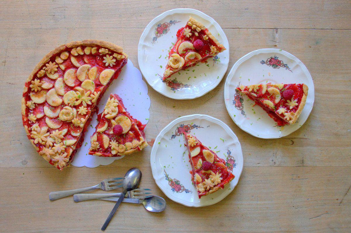 Tourte aux pommes et fraises