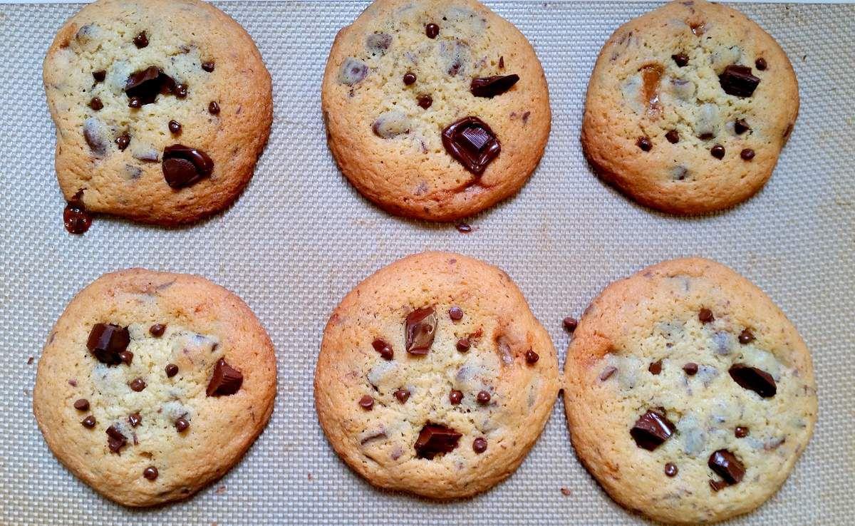 Cookies au chocolat, toffee et grains de café enrobés de chocolat