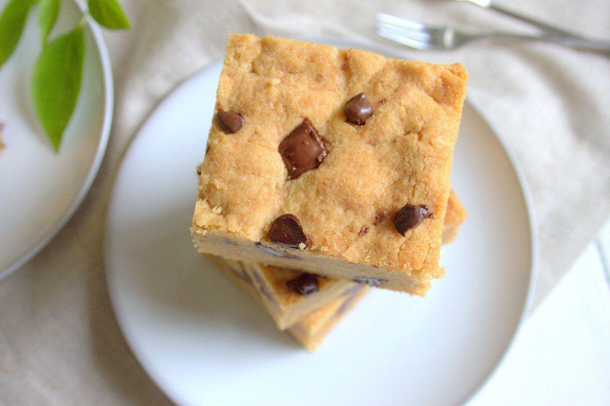 Carrés de cookies au beurre de cacahuète et chocolat