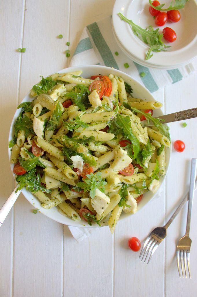 Salade de penne au pesto et roquette