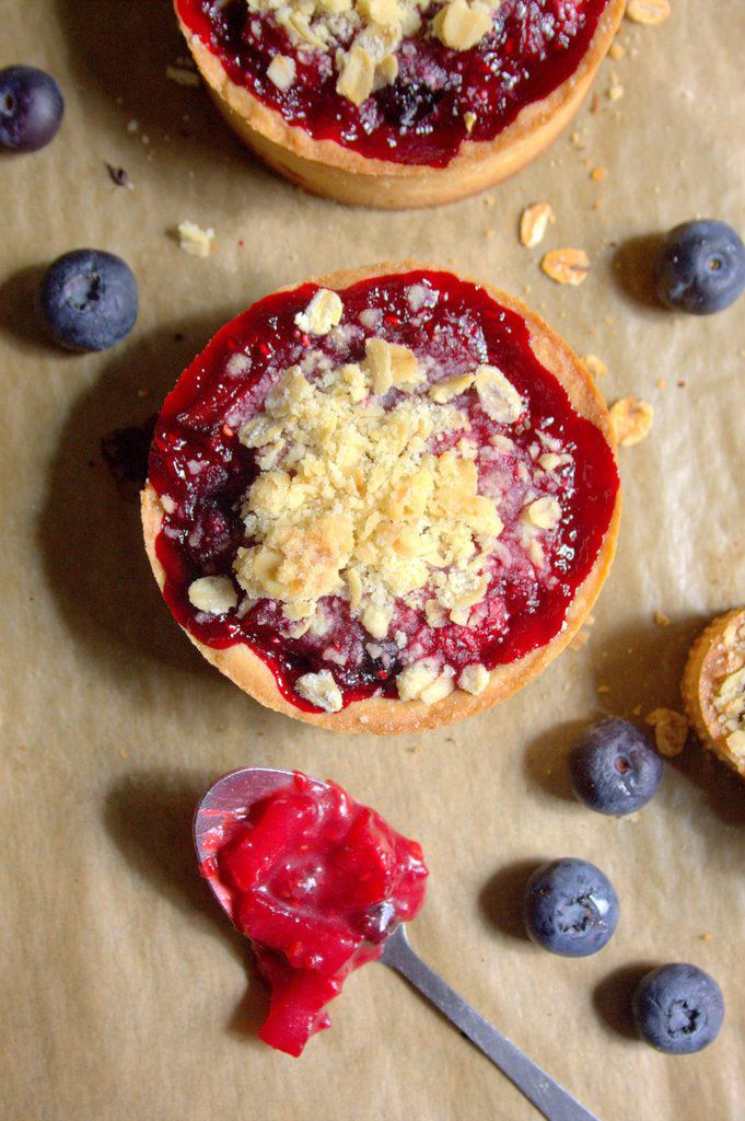 Tartelettes crumble aux fruits rouges