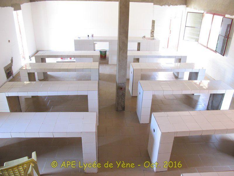 Un laboratoire pour le Lycée de Yène : Les travaux de peinture