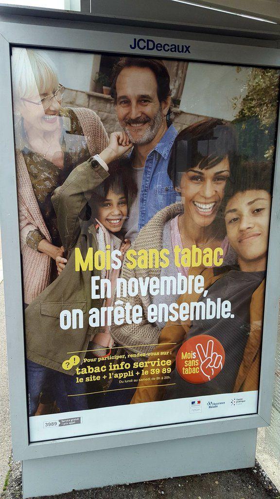 La photo de propagande placardée sur les murs de nos villes