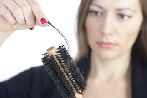 Une lotion contre la chute des cheveux