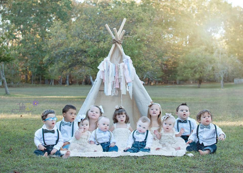 Magnifique ! Elle organise une séance photo pour des enfants trisomiques... Ils sont tous sublimes !