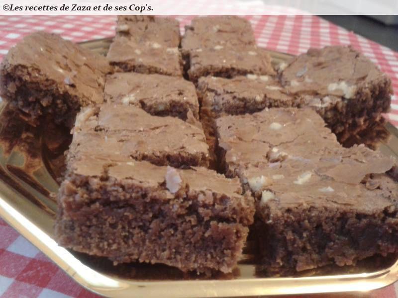 Brownies chocolat noir et noix.