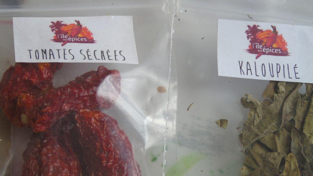 http://ileauxepices.com/fruits-secs/220-tomates-sechees.html        http://ileauxepices.com/herbes-et-aromates/276-kaloupile-feuille-de-curry.html