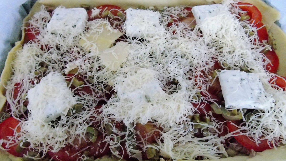 Tarte aux tomates,thon,boursin...