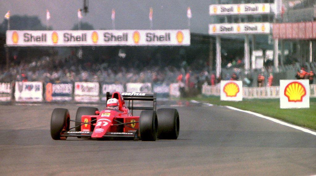 Mansell sur la fameuse 639 à boîte semi-automatique. Une Ferrari construite par John Barnard... en Angleterre !