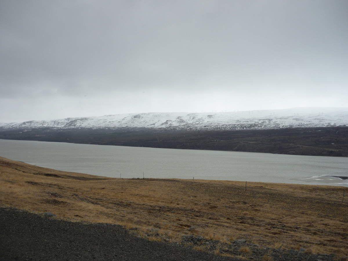 Le lac Lagarfljót d'Egilsstaðir &amp&#x3B; Hengifoss-Litlanesfoss