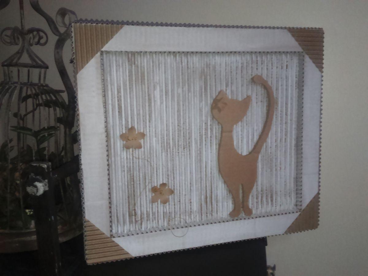 Chat-re-ment...D'un coup de chat-peau... Voici une chat-rade pour chat...