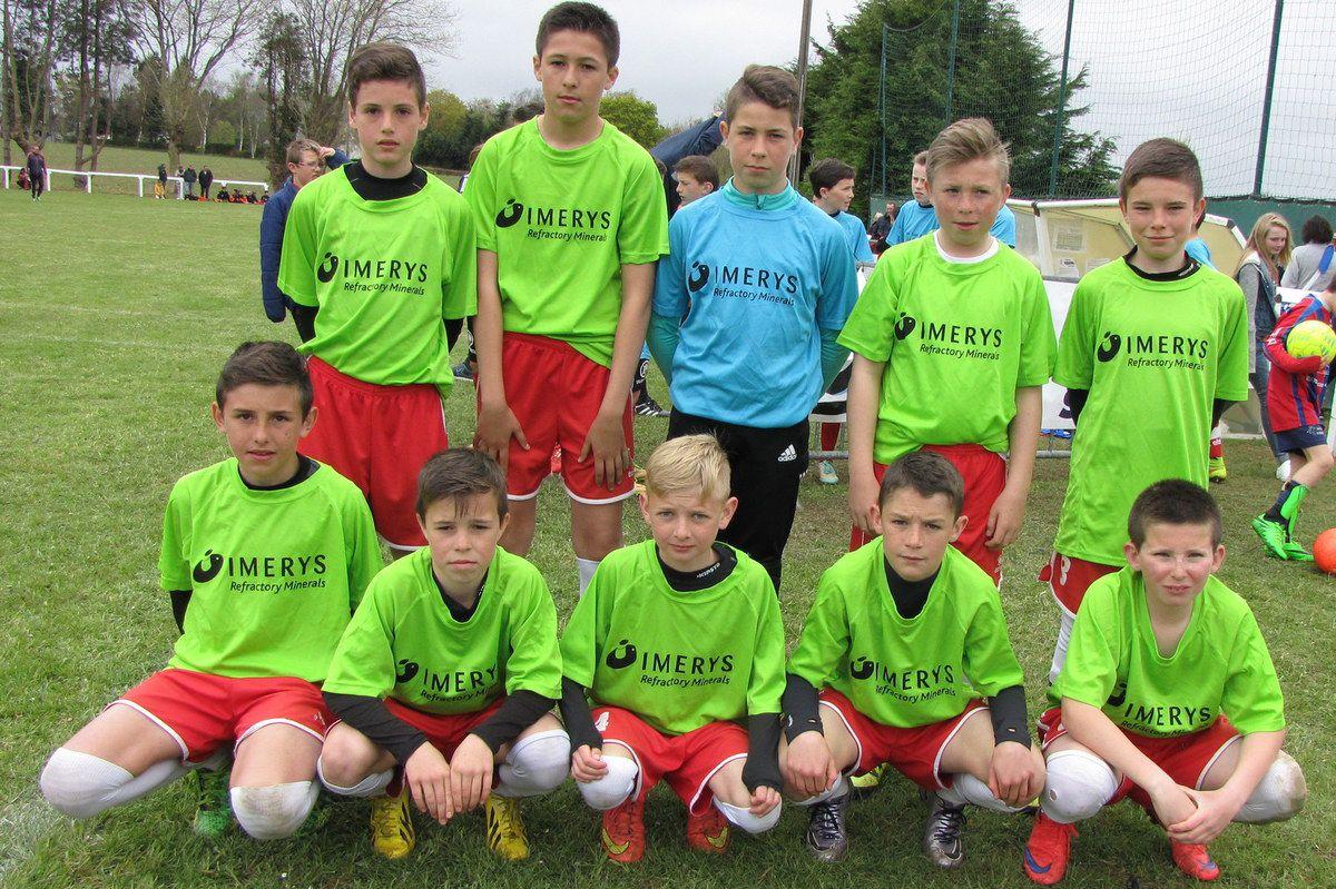 Les U13 Toros de Plounévézel avec les maillots Imerys