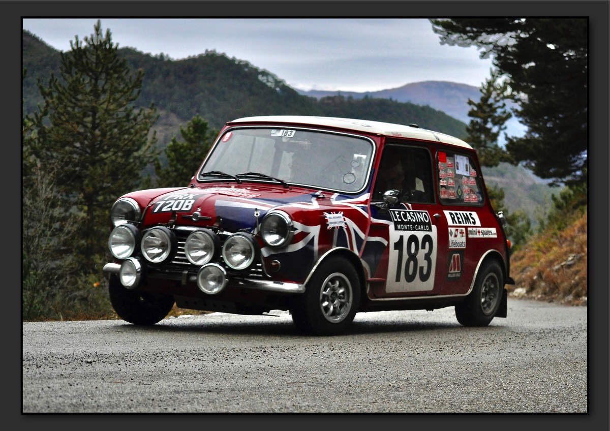William RICHARDS (GBR) Graham CARTER (GBR) - Morris Mini Cooper S de 1965