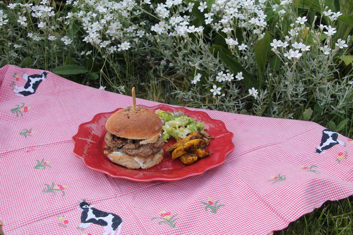Burger aux pleurotes et fromage de Sainte Maure