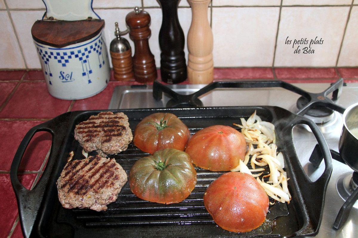 Burger de tomate au gorgonzola