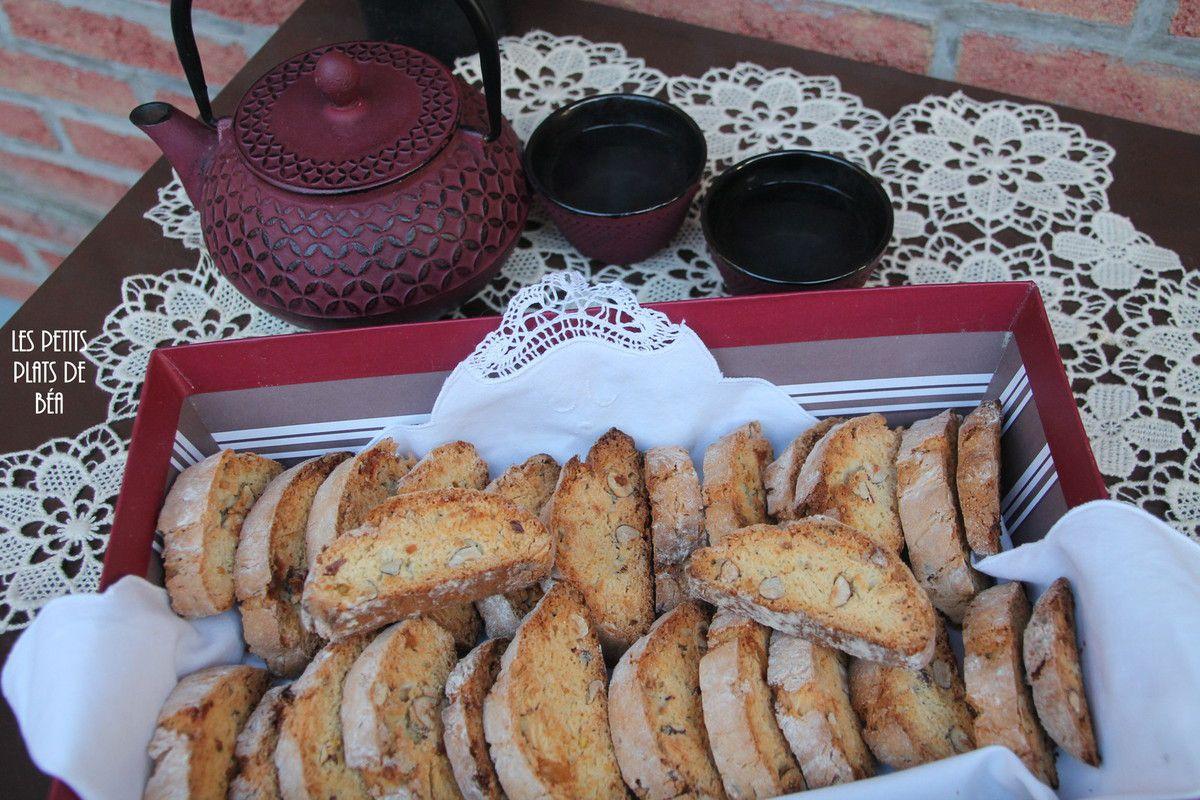 Biscotti aux noisettes et au gingembre confit