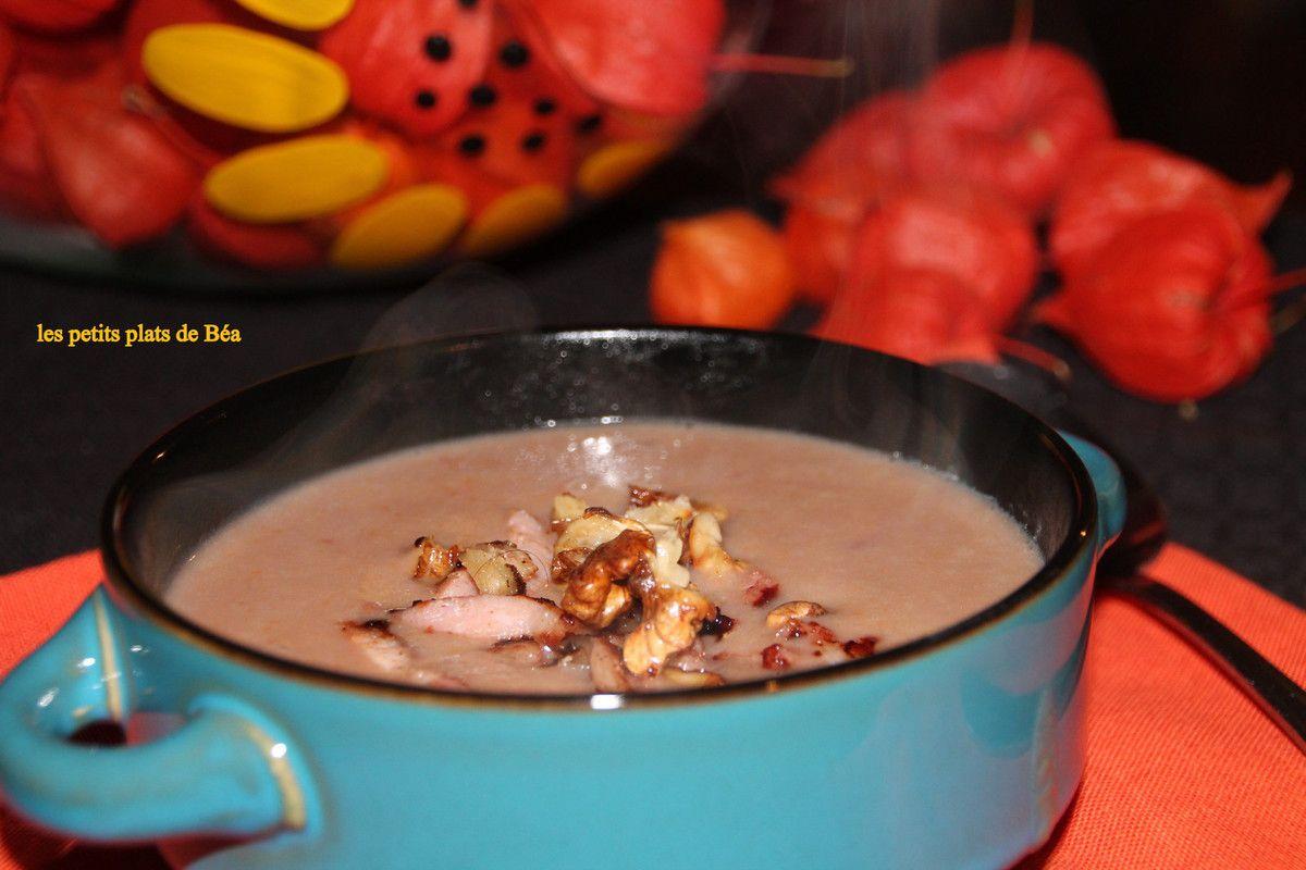 Potage aux endives lardons et noix