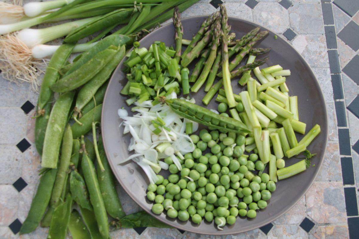 Nouilles soba aux légumes du printemps