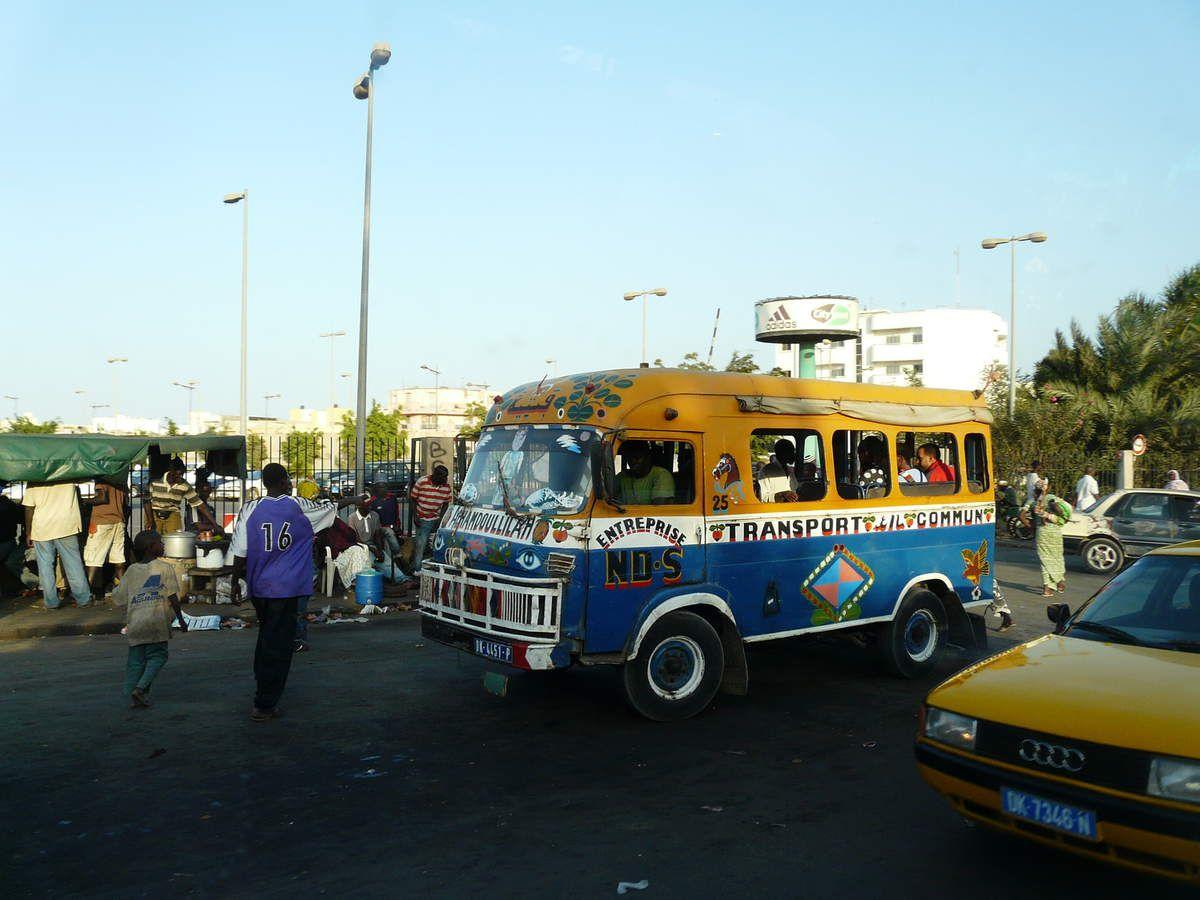 """les fameux taxis """"brousse"""""""