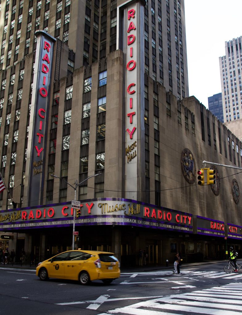 Avenue of the Americans, Radio City Music Hall