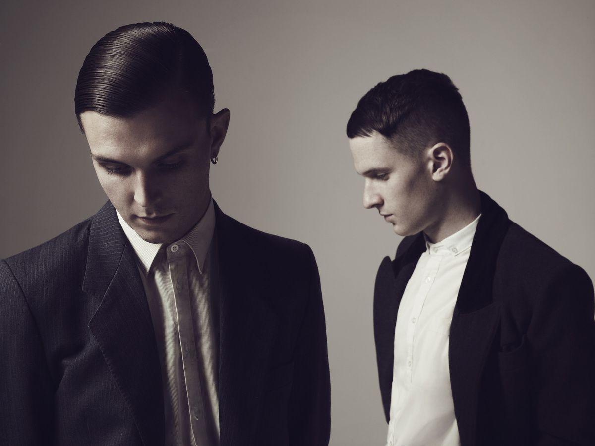 Qu'on se le dise, le duo de synthpop Hurts est de retour !